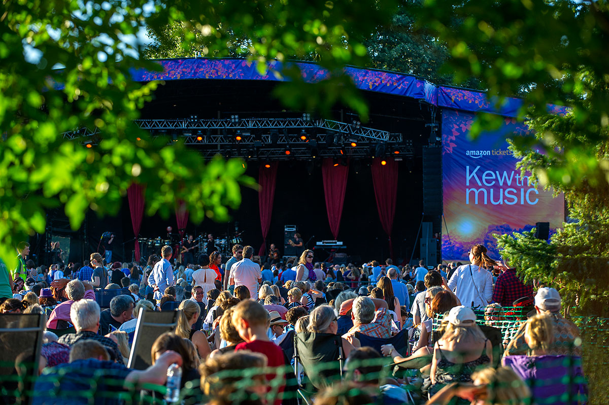 A series of summer picnic concerts kew the music for Botanical gardens concert series